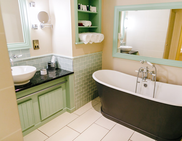 The Superior Guest Rooms Bathroom at The Bushmills Inn